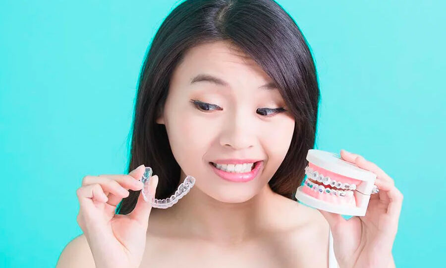 Pros-Cons-Of-Braces-And-Invisalign